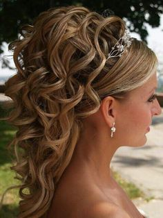 Perfect up do for the bride:)