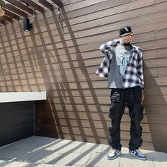 Summer Outfits Men, Stylish Mens Outfits, Black Men Street Fashion, Flannel Outfits, Mens Clothing Styles, Urban Fashion, Streetwear Fashion, Clothes, Guys