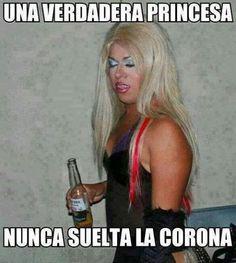 #humor Vaya Face!: Una verdadera princesa no suelta nunca la corona...