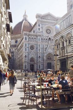Firenze, Italy At least once in your life you have to visit Florence. It really is as beautiful as they say. ✔️