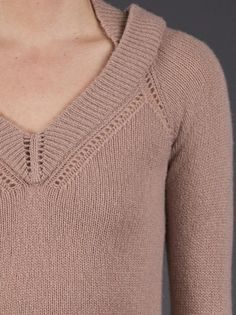 BURBERRY PRORSUM - Perforated trim sweater 5.
