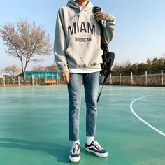 Discover recipes, home ideas, style inspiration and other ideas to try. Korean Fashion Men, Korean Street Fashion, Ulzzang Fashion, Korean Men, Look Fashion, Fashion Outfits, Black Girl Fashion, Mode Man, Stylish Mens Outfits