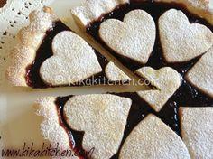 La crostata di marmellata bimby è un classico dolce a base di pasta frolla e farcito con marmellata. Una crostata facile da preparare.