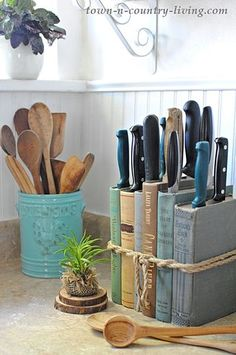 See how to make a quick and easy DIY knife holder using books you have on hand! decorating ideas for the home DIY Knife Holder: Flea Market Inspired - Town & Country Living Diy Casa, Knife Holder, Creation Deco, Easy Home Decor, Diy Home Décor, Upcycled Home Decor, Küchen Design, Book Design, Kitchen Organization
