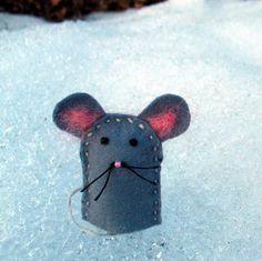 Felt Mouse Finger Puppet - for animal legends block