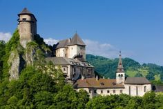 Interested in visiting the famous castles in Slovakia? In this post find the best castles in Slovakia worth visiting on your next trip. Slovenia Travel, Famous Castles, Beautiful Places In The World, Czech Republic, Places To Visit, Europe, Mansions, Architecture, House Styles