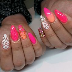 bright neon pink coral summernails with nailart and mermaid pigment