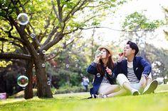 5月に槌谷さんに撮っていただいた前撮り 曇りだったのに奇跡的に晴れました☺︎ #weddingphoto #engagementphotography #槌谷敏幸 #ペアルック #エンゲージメントフォト #前撮り #ウエディングフォト