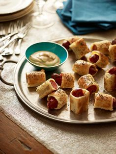 What's more perfect for a party than Pigs in Blankets? #appetizer #recipes