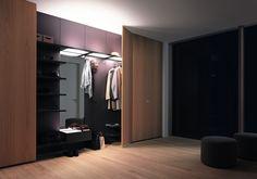 шкафы 40S в интерьере гардеробной