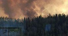 السلطات الكندية تقوم باجلاء سكان مدينة فورت ماكموراي بشمال مقاطعة البرتا (غرب)، بسبب حريق غابات كبير – صيحة بريس