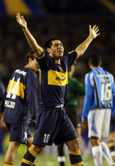 @Riquelme #9ine World Library, Best Football Players, Goat, Grande, Soccer, Sports, Football, I Love, Backgrounds
