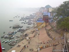 Google Image Result for http://indiaouting.com/files/2008/09/varanasi-ganga-ghats.jpg