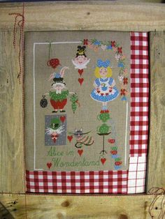 NEW charts Alice in Wonderland by Lilliviolettecharts on Etsy, €10.00