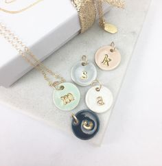 Single Initial Delicate Charm Necklace and chain - in 22k Gold Luster Overglaze on Ceramic Stoneware Includes Chain di susangordonpottery su Etsy https://www.etsy.com/it/listing/213561131/single-initial-delicate-charm-necklace