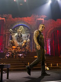 Avenged Sevenfold My favorite lead singer! And he is a hotty! Heavy Metal Music, Heavy Metal Bands, Avenged Sevenfold, Great Bands, Cool Bands, Music Is Life, My Music, Waking The Fallen, Matt Shadows