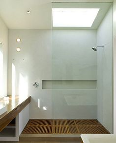 bathroom w/ skylight