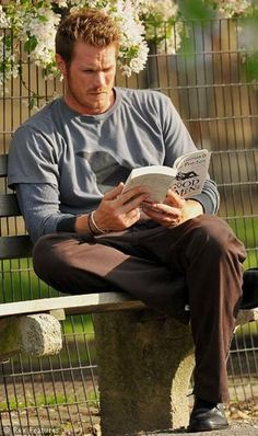Jason Lewis -- don't know who this guy is but I loved that book!