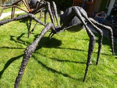 Prop Showcase: Giant Spider Build from - Page 13 Halloween Lawn, Halloween Forum, Halloween Scene, Halloween Spider, Outdoor Halloween, Halloween Projects, Diy Halloween Decorations, Scary Halloween, Halloween Ideas