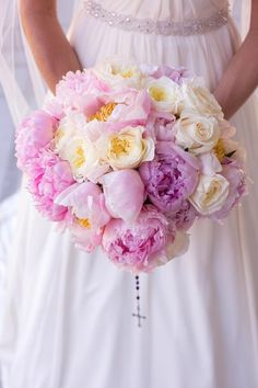 5 bridal bouquets… with pretty peonies!