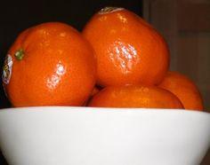 Orange Julius Smoothie- 1 Cuties Clementine, 1 Frozen Bananna, 1 tsp Vanilla, Milk or Yogurt-- only 224 Calories!