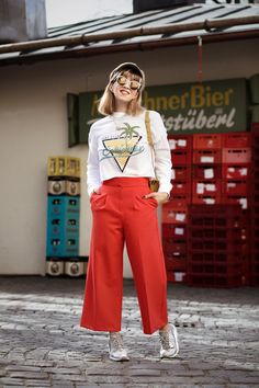 _MG_7715-outfit-culotte-spring-rot-berlin-muenchen-fashionblogger-streetstyle-modeblog-sneakers