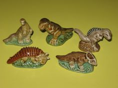 1 of 12: WADE FIGURINES COMPLETE SET OF 5 DINOSAURS 1993-SET 1 *mint*