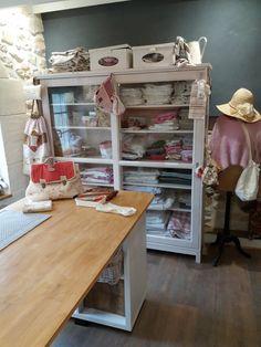 Le blog de Plume de lin - bienvenue dans mon petit atelier...des petits points....des aiguilles et de la patience..... Points, Patience, Blog, Furniture, Home Decor, Welcome, Handmade, Atelier, Bag