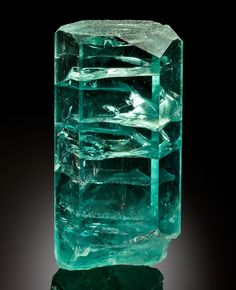 Aigue-marine, poids du cristal: 7 kg -  Brésil.