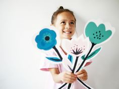DIY flowers cards by La maison de Loulou-2 Diy Gifts For Mothers, Mothers Day Crafts, Diy For Kids, Crafts For Kids, Arts And Crafts, Diy Paper, Paper Crafts, Diy Crafts, Flower Crafts