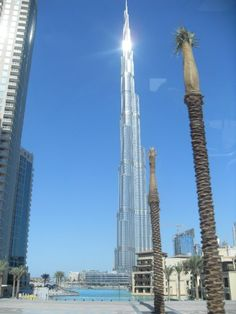 World's Tallest Building in Dubai, UAE!!! :)