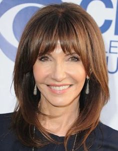 Hairstyles for the over 50 women fine hair are very limited when it comes to style and color. Which is why, you'll have to emphasize on the cut.