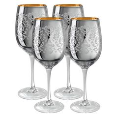 Brocade Wine Glass in Silver.