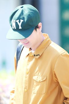 Got to see fanpics again. 150504 Yesung released from army cr: 烟花希冷_shadow DO NOT EDIT Siwon, Leeteuk, Heechul, Super Junior, Baseball Hats, Morocco, Twitter, Baseball Caps, Caps Hats