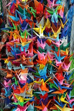 Japanese wedding traditions - paper cranes, lighting a candle at each table, origami napkins World Of Color, Color Of Life, Origami Paper, Origami Cranes, Origami Birds, Neon Licht, Paper Art, Paper Crafts, Rainbow Connection