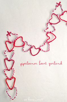 Incredibly simple. Super sweet. This is the perfect Valentine's Day craft for our little kiddos. we know stuff   Kids Craft: Pipe Cleaner Heart Garland   http://www.weknowstuff.us.com