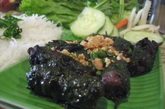 Beef wrapped in betel leaves. Thanksgiving Recipes, Holiday Recipes, Great Recipes, Kitchen Recipes, Gourmet Recipes, My Favorite Food, Favorite Recipes, Soup Starter, Wraps