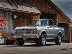 Ringbrothers' First SUV Is An LS3-Powered 1971 Chevy K5 Blazer Restomod | Carscoops
