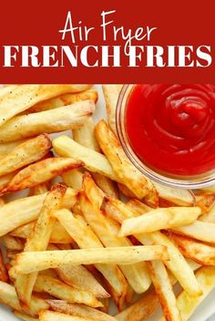 Air Fryer French Fries are a delicious and healthy version of a popular fast food side dish. These fries are crispy yet made with almost no oil. Best French Fries, Making French Fries, Homemade Fries, Homemade French Fries, Air Fryer French Fries, Air Fryer Fries, Fitness Models, Photo Food, Cooking Recipes