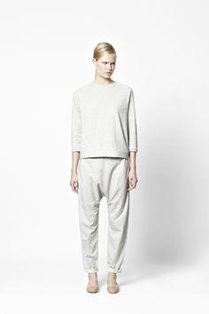 3/4 sleeved sweatshirt