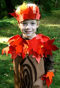 Halloween costume, or everyday dress up fun! Wonderful craft to accompany the book Who Made You. #Children's crafts #home schooling #tree crafts