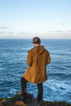 Unser australischer Freund Tim Morizet ist mit The JACKET rausgegangen und seine Freundin Tammy Schuh hat ein paar wunderbare Photos von ihm geschossen. Schaut' Sie Euch mal an. Danach dann auch unbedingt mal die Portfolios der beiden begutachten:. Snow Mountain, Portfolio, Surfing, Raincoat, Winter Jackets, Nature, Life, Outdoor, Fashion