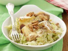 Chinakohl-Apfel-Salat mit Camembert ist ein Rezept mit frischen Zutaten aus der Kategorie Gemüsesalat. Probieren Sie dieses und weitere Rezepte von EAT SMARTER!