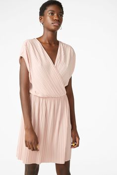 A pleated short sleeved wrap dress with an elastic waist and a flowy feel In a size small the chest width is 90 cm and the length is 90 cm. The model is 175 cm and is wearing a size small. Monki, Pink Dress, Elastic Waist, Wrap Dress, Short Sleeves, How To Wear, Clothes, Dresses, Orange