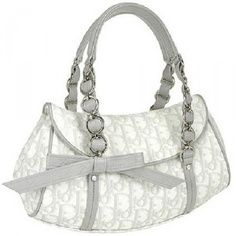 f5ea0b8a8a829e 23 Best Prada Bags OUtlet images | Prada handbags, Prada purses ...