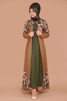 ** EN ŞIK TASARIMLAR ** Hırkası Gül Desen 2'li Takım Taba&Haki Ürün kodu: BNM00244 --> 109.90 TL Islamic Fashion, Muslim Fashion, Modest Fashion, Niqab Fashion, Fashion Outfits, Gaun Dress, Modele Hijab, Hijab Trends, Abaya Designs