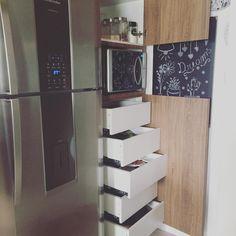 """302 Dreams ☁️ no Instagram: """"Uma dica muito legal pra quem está projetando móveis é fazer a dispensa em gavetas... Muito muito muito prático... Fico tudo de fácil acesso!!!"""""""