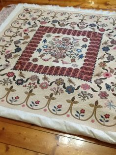 ann daggs quilt, pattern by di ford. aus Wow, this is lovely.