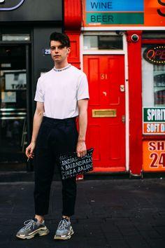 On the street at London Fashion Week Men's. #mensfashion #Balenciaga #Balenciagasneakers #sneakers #chunkysneakers