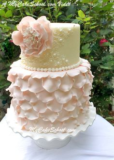 Elegant Fondant Petal Cake~A Cake Decorating Video Tutorial - Elegant Cakes and Vintage Cake Designs - Wedding Cakes Gorgeous Cakes, Pretty Cakes, Amazing Cakes, Fondant Cupcakes, Cupcake Cakes, Fondant Bow, Car Cakes, Fondant Flowers, Icing Flowers